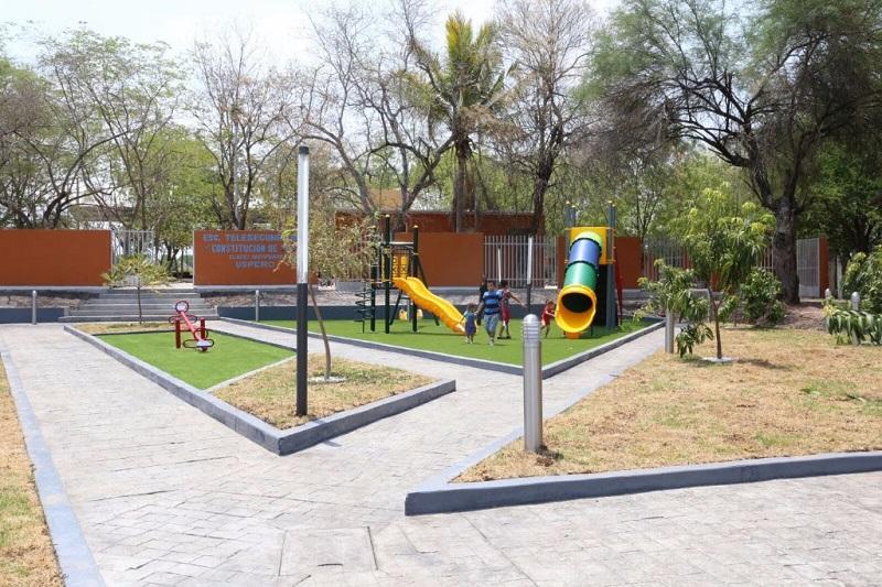 Las obras mencionadas, que han transformado totalmente la imagen de la localidad, ya fueron inauguradas por el gobernador de Michoacán, Silvano Aureoles
