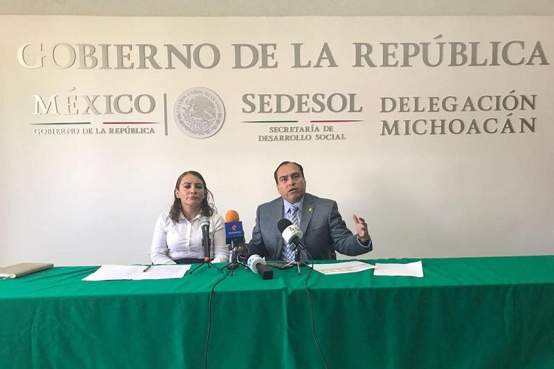 Fueron las palabras de Gerónimo Color Gasca delegado de la SEDESOL en Michoacán, quien junto a la delegada Mónica Sánchez Cachú del INAES, invitaron el próximo sábado a la Expo Estatal de la Economía Social que se llevará a cabo en la Plaza Valladolid a las 11:00 horas