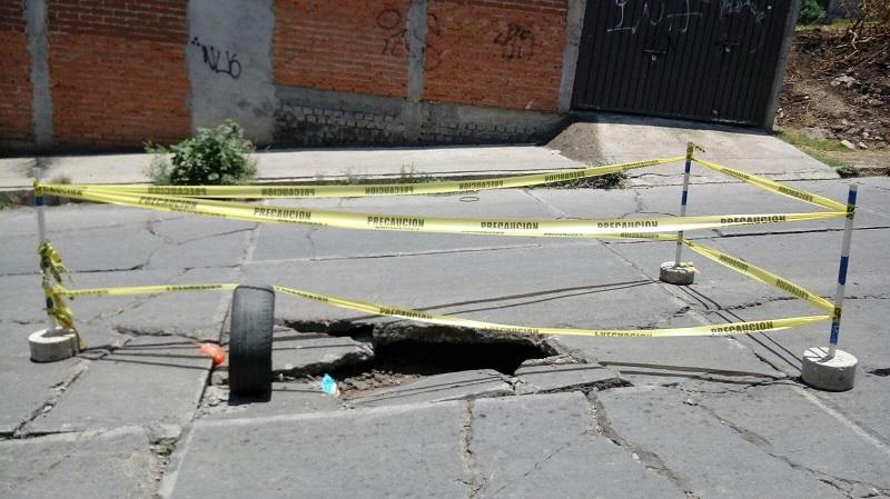 Se recomienda extremar precauciones si transita por las calles Marcos Moriana y Zafrilla (FOTO: RAFAEL PINEDA)