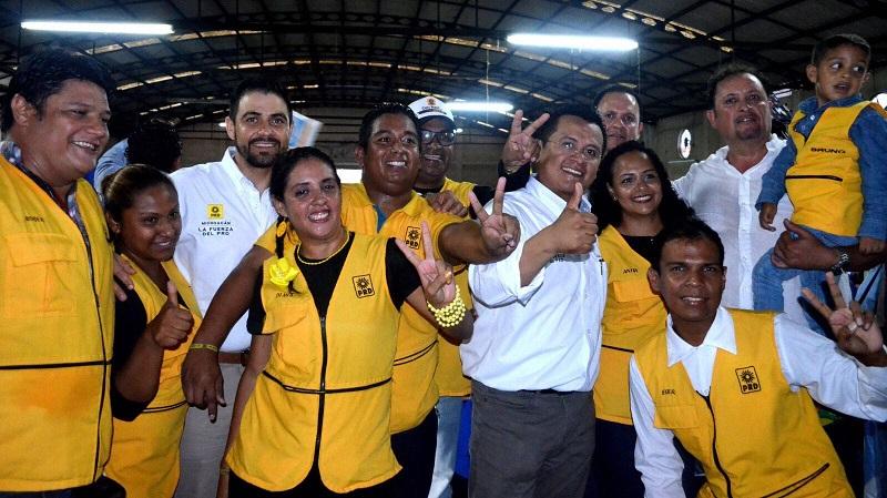 Durante su gira por Veracruz el martes, así como el Estado de México y Nayarit este miércoles, Carlos Torres Piña, invitó a las y los ciudadanos a razonar su voto y respaldar con él a los aspirantes del PRD