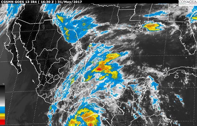 El sistema frente a las costas de Guerrero y Oaxaca tiene 90% de posibilidad de desarrollo ciclónico en el pronóstico a 48 horas
