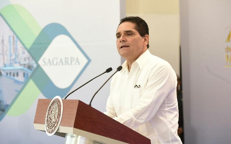Reconocen Silvano Aureoles y Enrique Peña el esfuerzo de los elementos de la Secretaría de la Marina