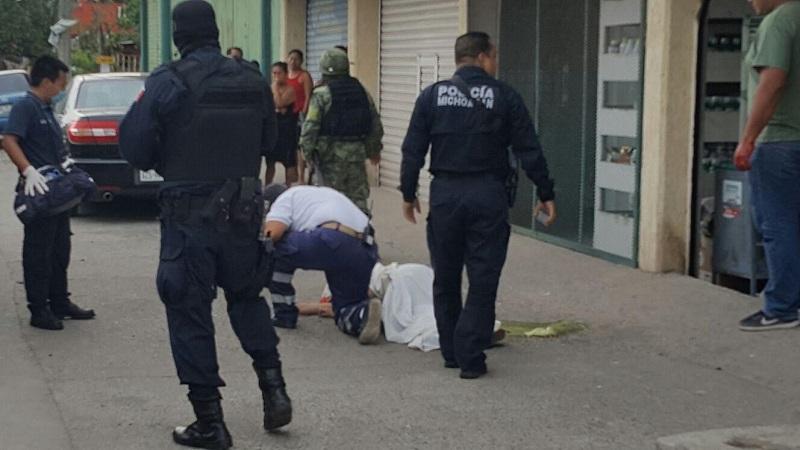 Al lugar arribaron elementos de Protección Civil municipal quienes solamente confirmaron el deceso de la mujer