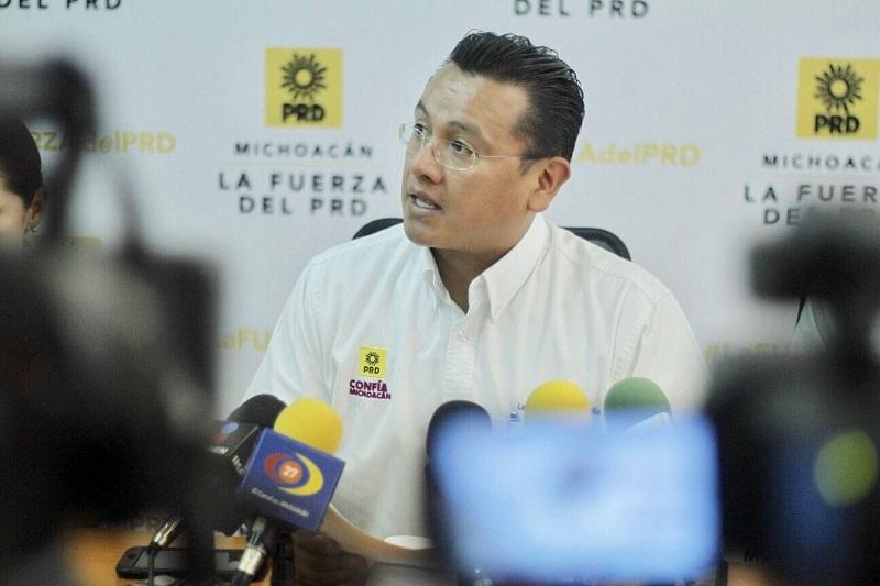 Carlos Torres Piña, presidente del PRD en Michoacán, indicó que a reserva de los resultados que den a conocer los órganos electorales, Juan Zepeda en el Estado de México, sorprendió a propios y a extraños