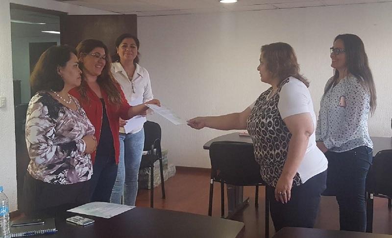 Cabe señalar que las funcionarias son licenciadas en Derecho egresadas de la Facultad de Derecho y Ciencias Sociales de la Universidad Michoacana