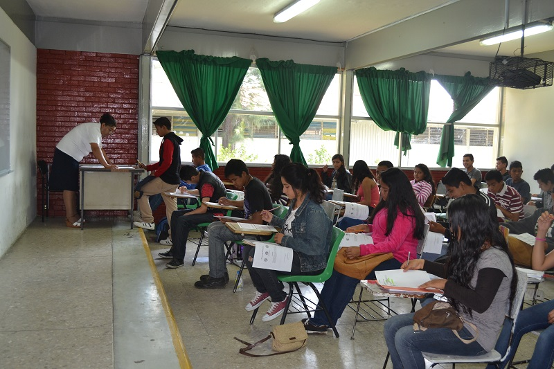 Como parte del proceso de ingreso, los aspirantes acudieron tres fines de semana a cursos de inducción con la finalidad de reforzar temas básicos en materias como matemáticas