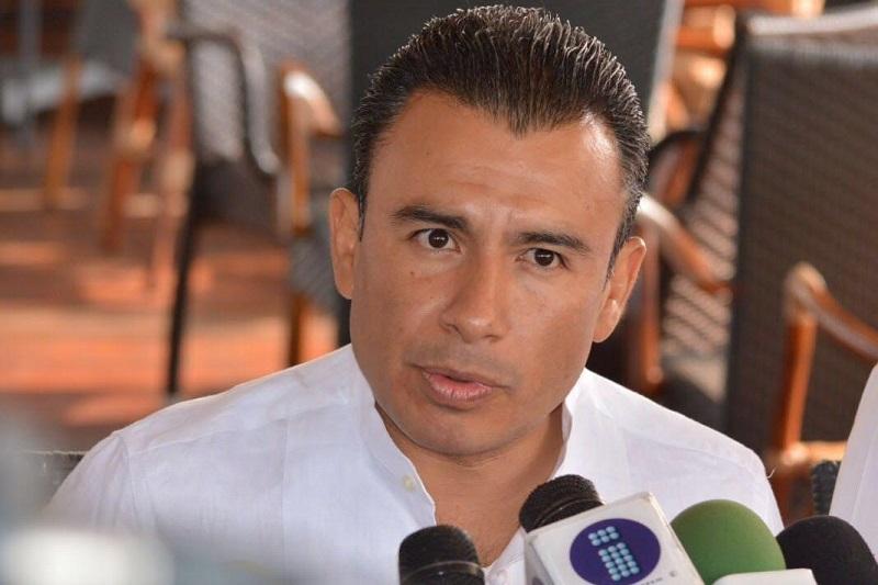 Según Calderón Torreblanca, el líder del MORENA es favorito en los estados gobernados por el PRD