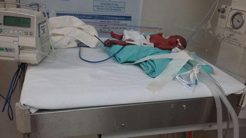 """Ante tales irregularidades, las pacientes calificaron la situación como insostenible mientras que por otro lado los doctores tienen que hacer """"milagros"""" para salvar la vida de las pacientes y de los propios infantes"""
