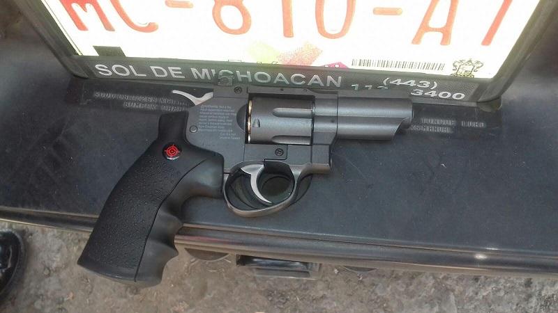 Los presuntos delincuentes fueron detenidos el domingo por la Policía de Morelia sobre la Avenida Michoacán (FOTOS: FRANCISCO ALBERTO SOTOMAYOR)
