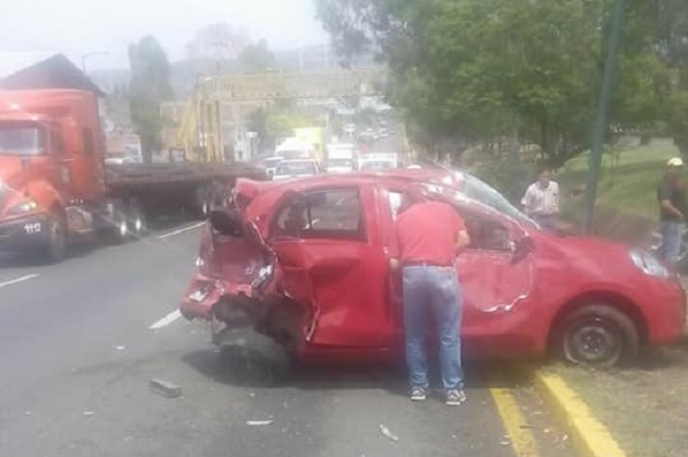 La mujer lesionada fue atendida y trasladada a un hospital por la Cruz Roja; la zona fue acordonada por la Policía de Morelia