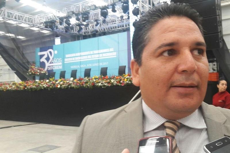 """Mendoza Andrade les dijo a sus compañeros que la unidad, la comprensión, y la solidaridad """"son las que nos dan esa fortaleza que hoy tenemos y si seguimos unidos, lograremos sortear los embates el gobierno federal que con las reformas que ha implementado"""""""