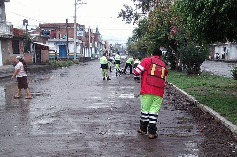 Los recorridos por parte de los elementos de Protección Civil y Bomberos de Morelia continúan hasta este momento a lo largo de toda la ciudad, para realizar una pronta reacción en caso de surgir alguna necesidad ciudadana