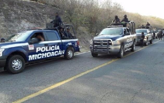 En la agresión solamente se registraron algunos daños a la unidad del mando policial; éste y una persona que lo acompañaba resultaron ilesos
