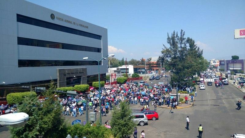 """Para este sábado 10 de junio, se espera que alrededor de las 4 de la tarde, nuevamente salgan a manifestarse los integrantes de la CUL junto a la CNTE para conmemorar un año más del famoso """"halconazo"""" ocurrido en la ciudad de México en el año 1971"""