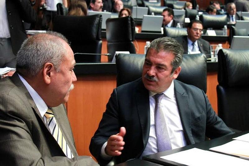 """Morón Orozco hizo un llamado enérgico al gobernador de Aguascalientes, Martín Orozco Sandoval, para que informe de los hechos y se abstenga de criminalizar a los """"estudiantes"""" de Michoacán"""