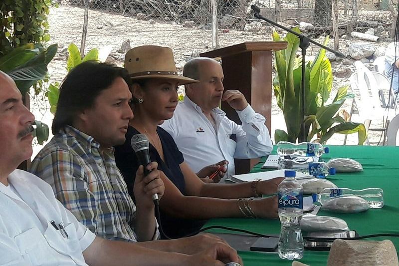 Se realiza la 11va. sesión con los habitantes y representantes de los tres órdenes de gobierno para dar seguimiento a los trabajos desarrollados en el Centro de Población