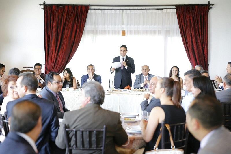 """""""Gobernador en los delegados federales no tiene competidores ni enemigos, sino aliados para construir el mejor escenario para las y los michoacanos"""", remarcó el coordinador de los delegados federales, Enrique Martini"""