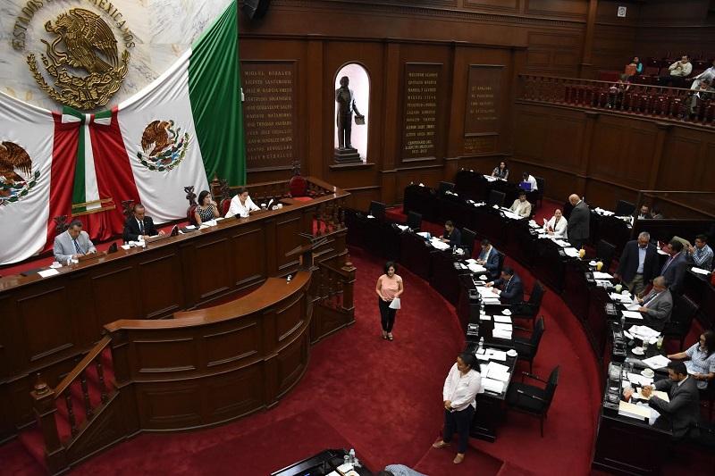 Una vez cerrado el periodo de solicitudes, las Comisiones unidas se reunirán para analizar las solicitudes y documentos presentados por los aspirantes
