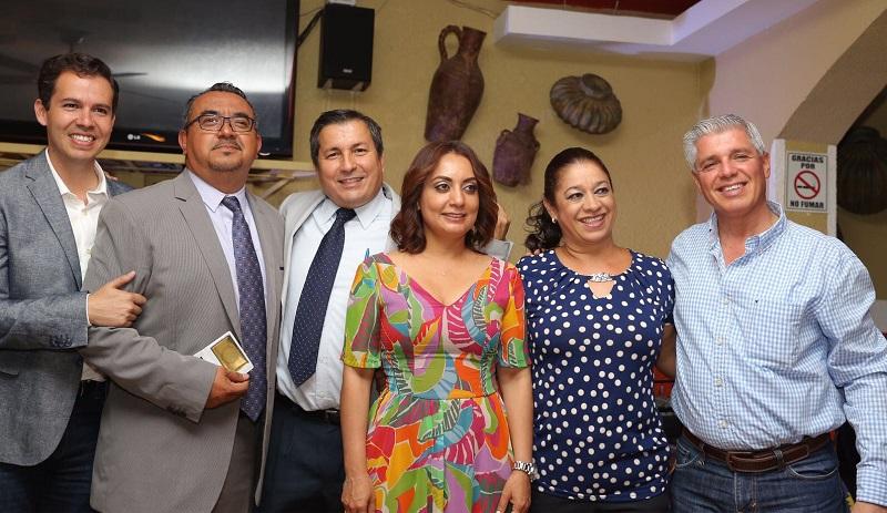 """""""Ustedes son uno de los principales pilares que nos ayudan a conformar sociedades mucho más democráticas"""", apuntó López Bautista"""