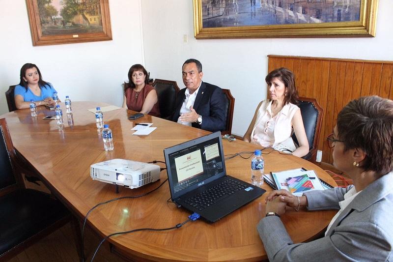 López Solís, señaló que a la par de la creación del Plan Estatal, se establecerá un vínculo permanente entre la Secretaría de Salud, el Instituto de la Juventud, Secretaría de Educación, Seguridad Pública, la Procuraduría Estatal y los subsistemas de Educación