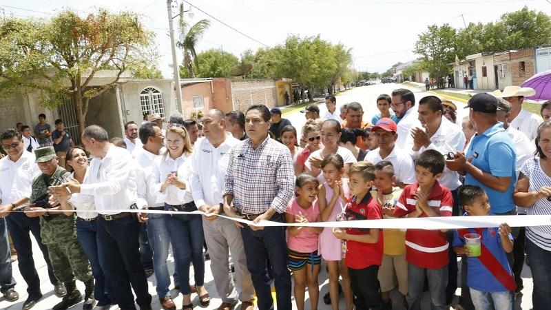 En su mensaje, el mandatario estatal destacó el trabajo coordinado que ha tenido con el Comité Ciudadano de Felipe Carrillo Puerto; prueba de lo anterior, son las diversas obras que han sido entregadas