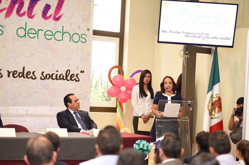 """Participa Andrea Villanueva en premiación del Concurso """"Ilumina tus derechos"""""""