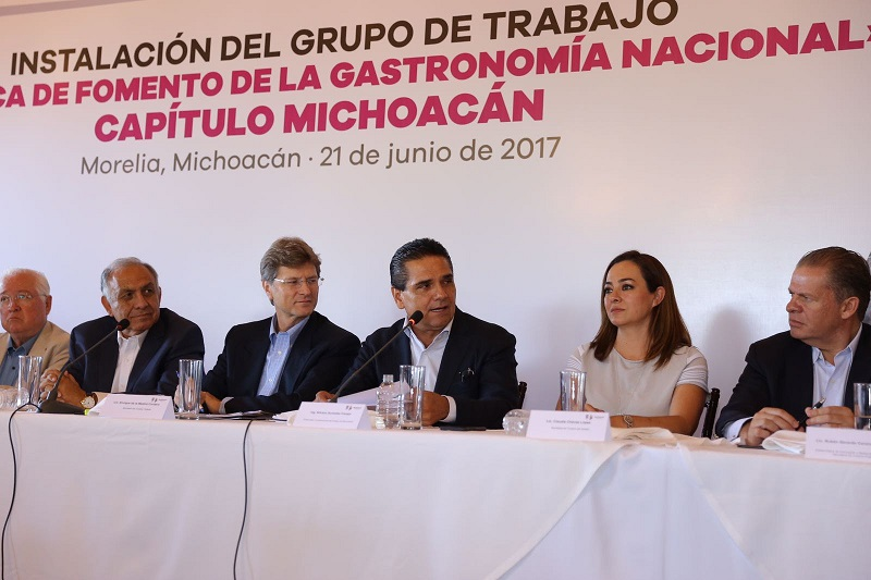 """En Michoacán """"las cosas van bien y se ha avanzado; tienen gente emprendedora y cuentan con el apoyo del Gobierno de la República"""", sostiene Enrique de la Madrid"""