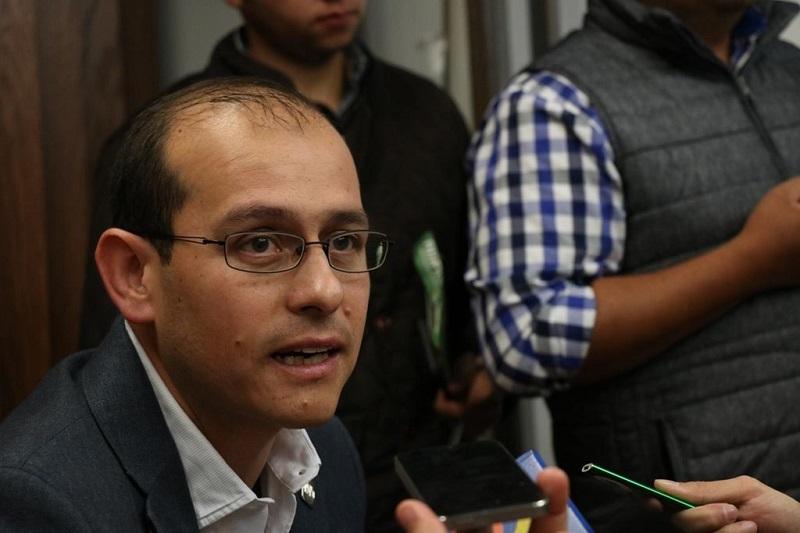 Si bien los estudiantes tienen derecho a tener condiciones dignas para su estudio, también tienen la obligación de actuar con respeto para no violentar los derechos de terceros: Hinojosa Pérez