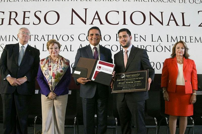 Michoacán, dentro de los tres estados con mayor avance en reformas y leyes para abatir la corrupción, destaca gobernador