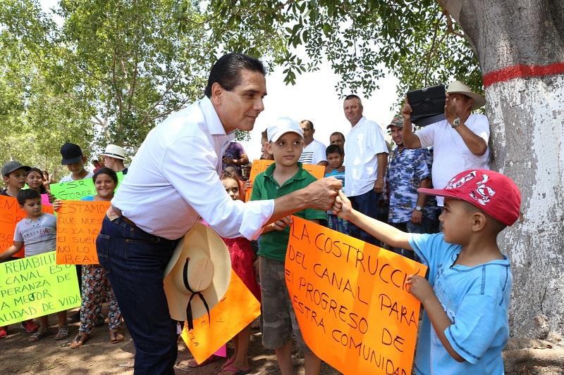 Silvano Aureoles recordó que fue el 9 de noviembre de 2016 cuando en Tepalcatepec se instaló el Consejo Ciudadano para el Desarrollo Integral, por lo que destacó la relación coordinada entre la ciudadanía y la autoridad que ha traído resultados