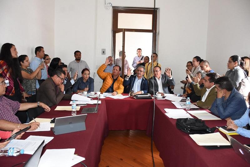 Al respecto, el diputado Mario Armando Mendoza, presidente de la Comisión de Gobernación, señaló que es importante que el Ejecutivo aclare el ahorro real con la extinción de las dependencias propuestas