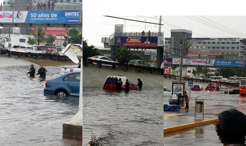 Vecinos de Jurica reportaron inundaciones en acceso y lateral de Paseo de la República, y reclamaron a las autoridades solución para resolver el problema y presencia policial para auxiliar en el tráfico generado