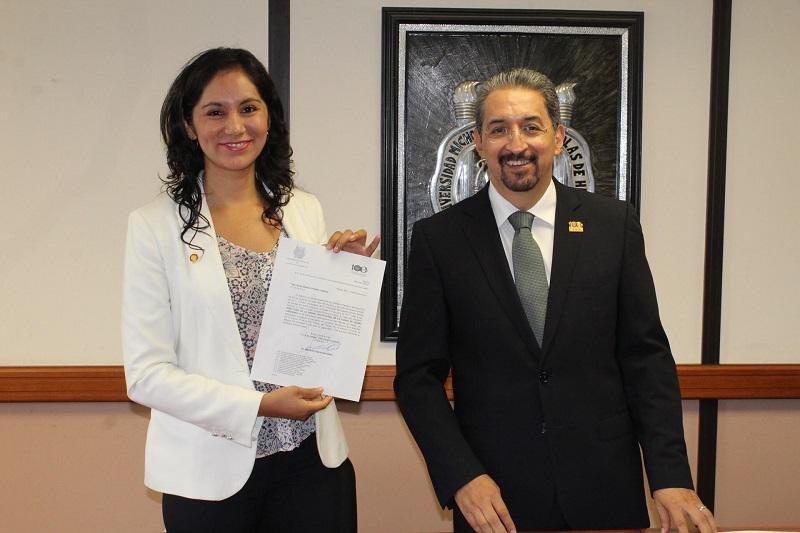 Nombran nueva directora de la Unidad Profesional de LC de la UMSNH