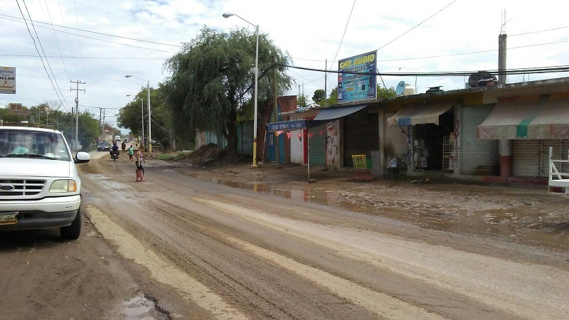 El alcalde refrendó el compromiso del Ayuntamiento de Huetamo para mantener de manera constante los operativos, a fin de disminuir los riesgos por las lluvias