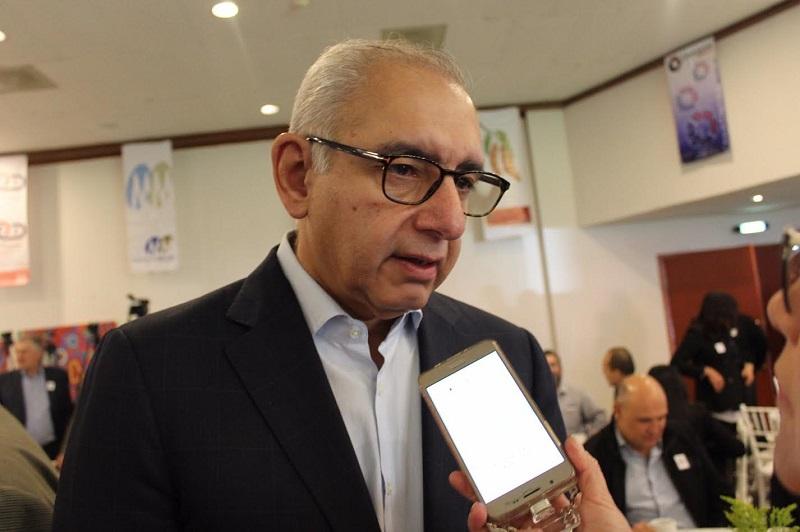 """""""Es intolerable este tipo de sucesos que estamos viviendo, este es un llamado al gobernador de Michoacán, Silvano Aureoles Conejo, para que aplique protocolos para resguardar la seguridad de la ciudadanía, y que los periodistas puedan ejercer su labor con pleno respeto a sus derechos"""": Vega Casillas"""