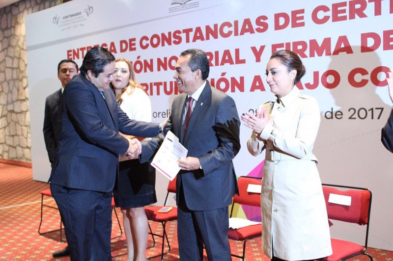 López Solís agradeció a nombre del gobierno que encabeza Silvano Aureoles Conejo, la atención de los fedatarios para atender, colaborar y coordinar esfuerzos en la comunicación pronta y expedita en favor de la sociedad michoacana