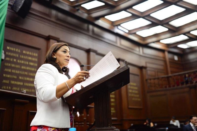 La diputada del PAN presentó una iniciativa que adiciona un capítulo a la Ley de Mecanismos de Participación Ciudadana del Estado
