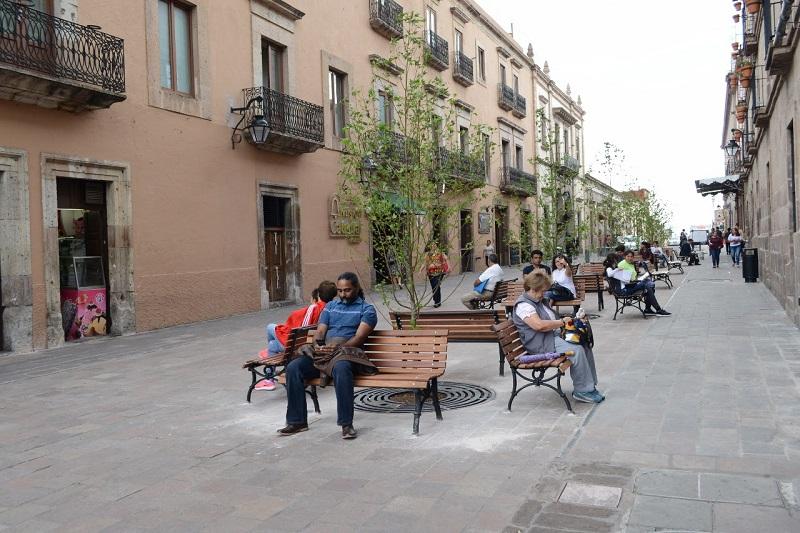 Sosa Tapia, señaló que para el Presidente Municipal, Alfonso Martínez Alcázar, resulta prioritario democratizar las vialidades de la capital michoacana