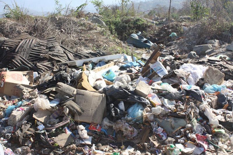 Karina Tapia Báez señala que su organización tiene interés por volver a brindar el servicio de recolección de basura en el Tianguis de la Feria, pero no lo hará mientras no haya un compromiso por escrito de pagar los adeudos