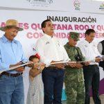 En el marco de su visita a este municipio, el mandatario estatal supervisó la construcción del camino Nuevo Urecho-San José las Cañas