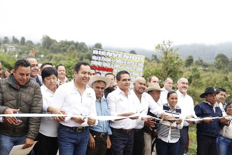 """Aureoles Conejo puso en marcha la construcción del Centro Comercial """"Garis"""", para su edificación se crearán 120 empleos directos"""