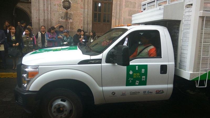 Gil Vázquez recordó que Morelia produce mil 200 toneladas de basura diariamente misma que llega al relleno sanitario donde se entierra y almacena