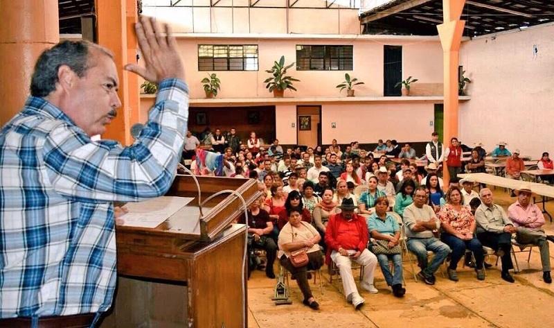"""En Ario de Rosales, al Consejo Político, Silva Tejeda, le reiteró que """"no vamos a decidir desde arriba quienes van a ser sus candidatos"""""""