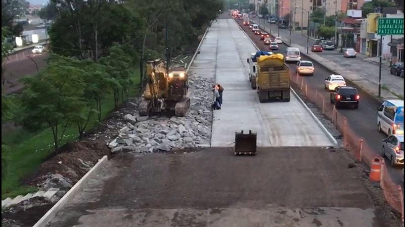 La dependencia estatal señaló que el tramo que se corregirá tiene una longitud de 38.5 metros de un total de 350 metros, un ancho de 3.5 metros de un tramo de 10.5 metros y un espesor de 29 centímetros