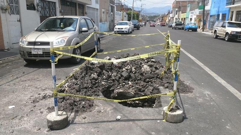 Como se recordará, esta misma semana se reabrió el concreto hidráulico en la calle Iretiticateme, misma que aún no ha sido entregada (FOTO: FRANCISCO ALBERTO SOTOMAYOR)