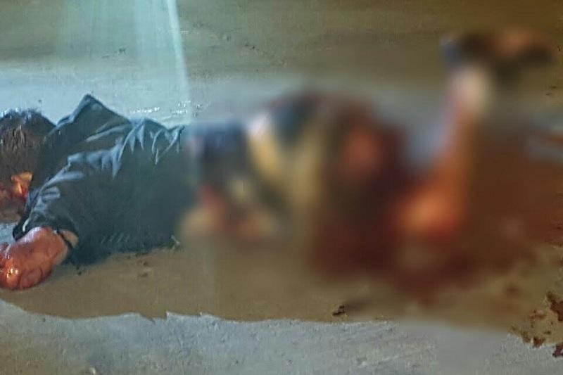 Los hechos, a la altura de la comunidad de Cerrito de Ortiz, metros antes de llegar a la base de la Policía Michoacán, en un momento determinado se activó el artefacto y explotó