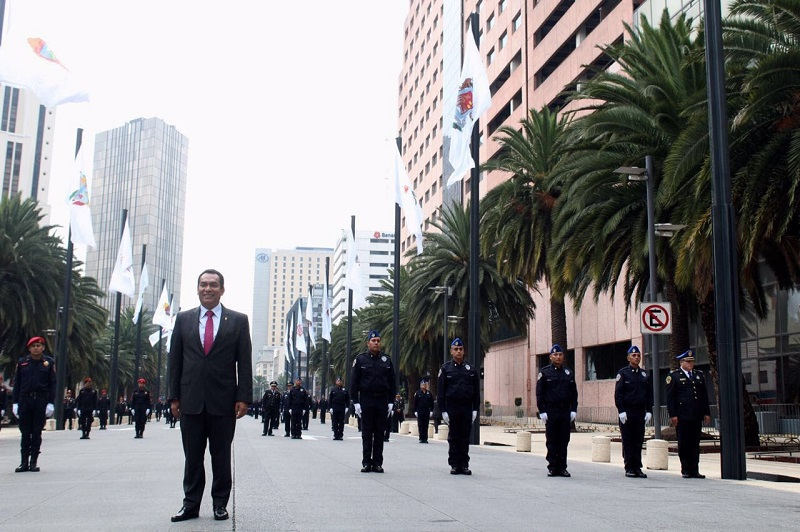 A partir de este día, el escudo de Michoacán ondea en la Ciudad de México, como parte de las acciones del Aniversario de la Conago