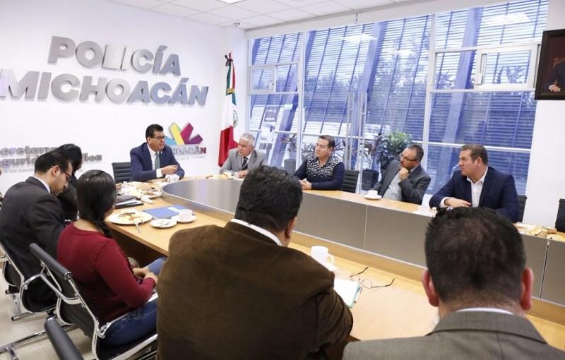 El titular de la dependencia estatal, Juan Bernardo Corona Martínez, precisó que será a través de nuevas estrategias conjuntas como se puede trazar un esquema para seguir impulsando los trabajos de profesionalización