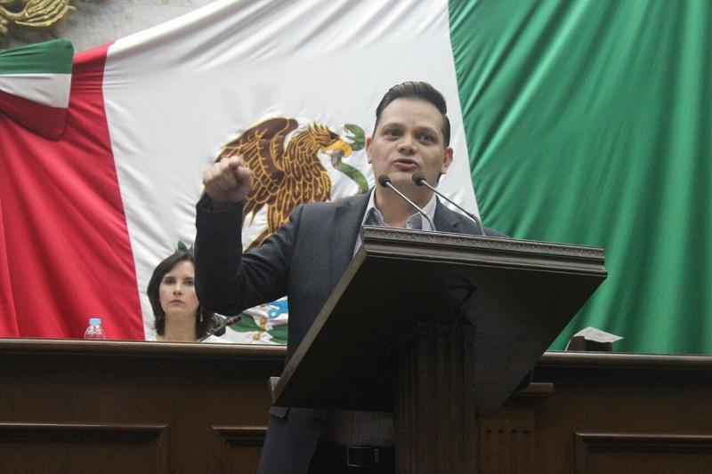 Desde marzo Gómez Trujillo presentó la iniciativa de Ley de Designaciones en el Estado de Michoacán en el que plantea la fórmula para evitar que los cargos al frente de órganos autónomos sea a través de un procedimiento de selección a través de un Comité Evaluador