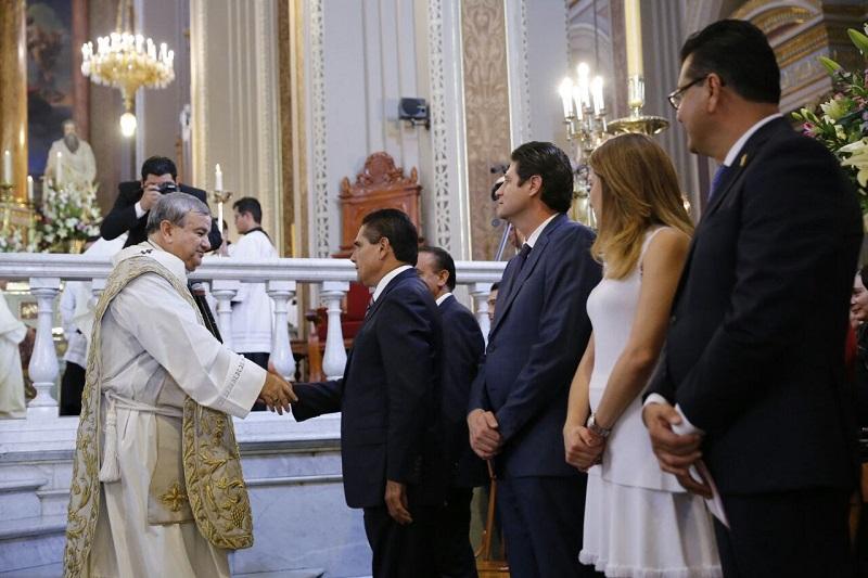 El nuncio apostólico, Franco Copola, aseguró que este símbolo viene a formar un centro de unión y a reforzar la fe de las y los morelianos